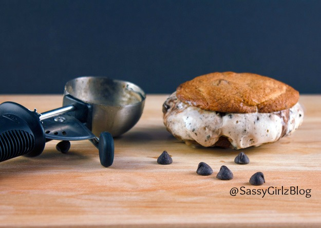 Chocolate Chip Cookie Ice Cream Sandwich Mini's! Back To School ...