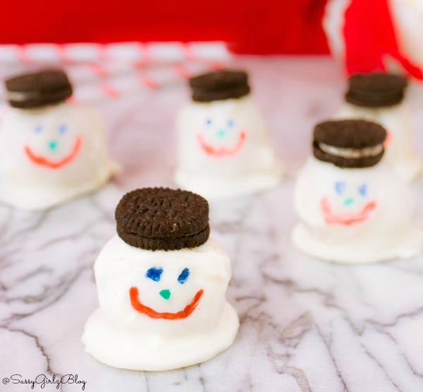 Melty Snowman Cookie Balls Recipe